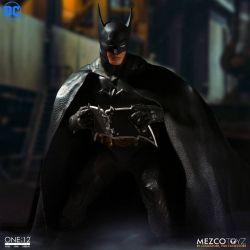 Batman Ascending Knight Mezco One:12 1/12 action figure (DC Comics)