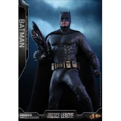 Batman Hot Toys MMS455 1/6 action figure (Justice League)
