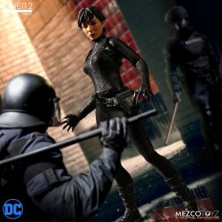 Catwoman Mezco One:12 1/12 action figure (DC Comics)