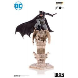 Batman by Eddy Barrows Deluxe Art Scale Iron Studios 1/10 figure (DC Comics)