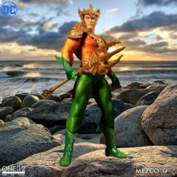 Aquaman Mezco One:12 1/12 action figure (DC Comics)