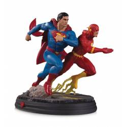 Superman vs The Flash Racing DC Gallery DC Collectibles 2nd Edition (DC Comics)