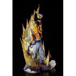 Super Saiyan Gogeta Figuarts Zero (Dragon Ball Z Fusion Reborn)
