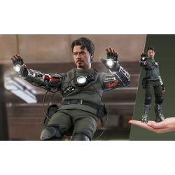 Tony Stark Hot Toys Mech Test Deluxe MMS582 (Iron Man)