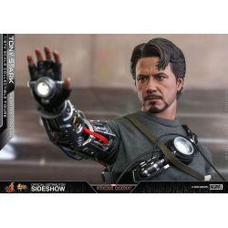 Tony Stark Hot Toys Mech Test MMS581 (Iron Man)