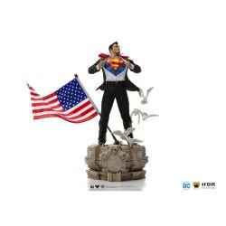 Clark Kent Iron Studios Deluxe Art Scale figure (Superman)